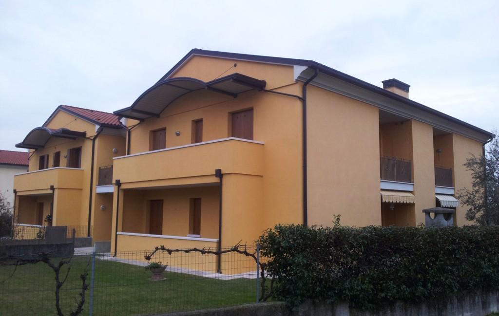 Pase mirco imbianchino e pittore edile treviso e provincia for Pitture esterne case moderne